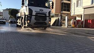 Doğalgaz ve altyapı çalışmaları tamamlanan cadde ve sokaklar sulanıyor