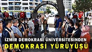 """İzmir Demokrasi Üniversitesi'nin """"Demokrasi Yürüyüşü"""""""