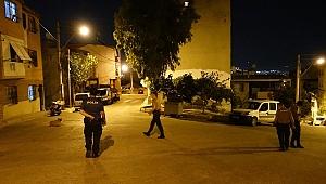 Karabağlar'daki bıçaklı kavgada 2 kişi  ağır yaralandı