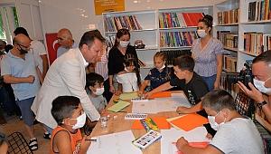Başkan Aksoy köy çocuklarını kitaplarla buluşturdu