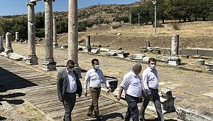 """Başkan Koştu, """"Büyükşehir Meclisimizi Bergama'da misafir etmekten dolayı mutluyuz"""""""