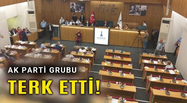 İzmir Büyükşehir Meclisinde gerginlik, Ak Parti salonu terk etti!