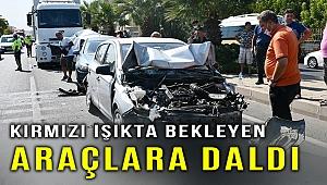 Manisa'da zincirleme trafik kazası: 5 yaralı