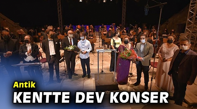 Antik kentte dev konser