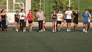 Başkan Halil Arda atletizm pistinde