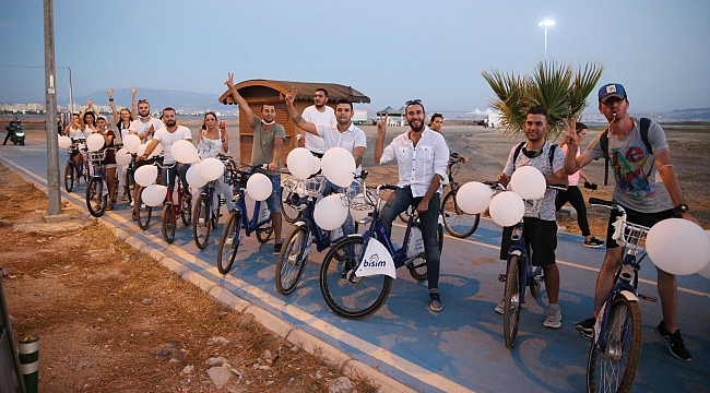 CHP'li gençler barışa pedal çevirdi