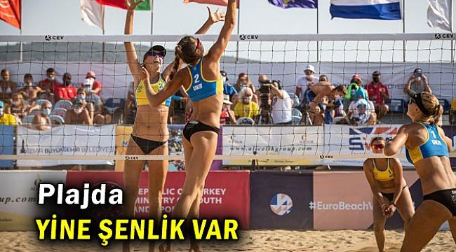 İzmir'de plajda yine şenlik var