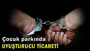 İzmir Tire'de çocuk parkındaki uyuşturucu satıcısı tutuklandı