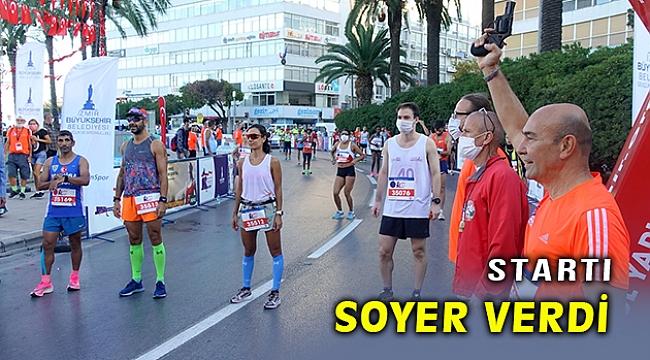 İzmir yarı maratonu başladı, startı Soyer verdi