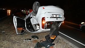 Manisa'da devrilen otomobilin sürücüsü yaralandı