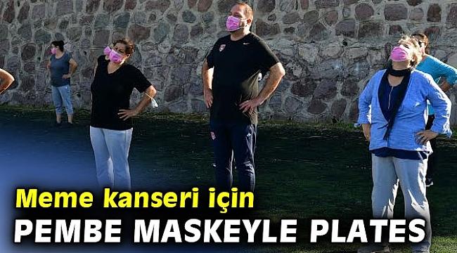 Başkan Gümrükçü pembe maske dağıttı