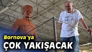 Bornova'nın Cumhuriyet Meydanı'na yeni Atatürk heykeli