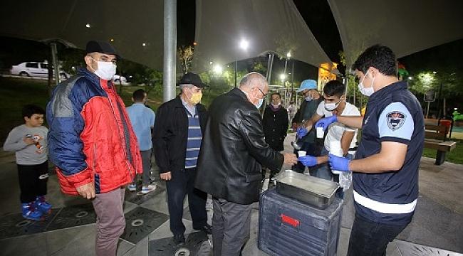 Karabağlar Belediyesi'nden sıcak bir el