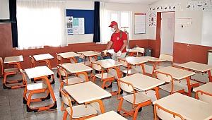 Menderes'te Okullar Dezenfekte Edildi