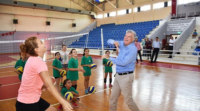 Narlıderenin spor kursları yeniden başladı