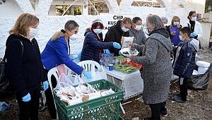 CHP'li kadınların depremzedelerle dayanışma kahvaltısı devam ediyor