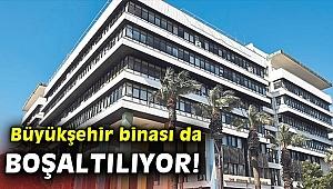 İzmir Büyükşehir binası da ağır hasarlı! Boşaltılıyor