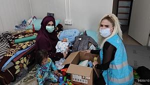 İyilik takipçilerinden konteyner kentin ilk bebeğine destek