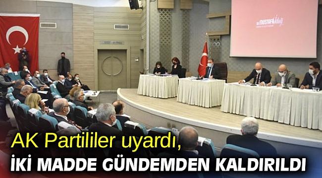 AK Partililer uyardı, iki madde gündemden kaldırıldı