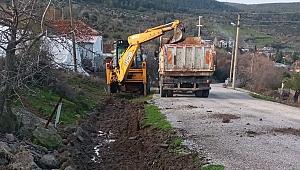 Bergama kırsal mahalle yollarında yağış sonrası bakım