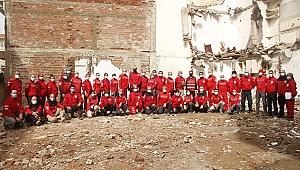 AKUT İzmir Ekibi deprem tatbikatındaydı