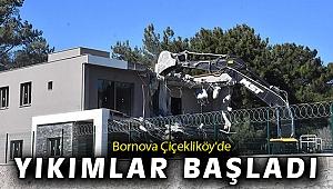 İzmir'de 8 kaçak yapı yıkıldı