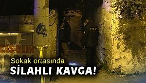 İzmir'de sokak ortasında silahlı kavga!