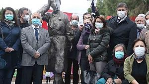 Karşıyaka'da Sağlık emekçilerine saygı anıtı açıldı