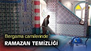 Bergama camilerinde Ramazan temizliği