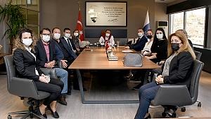 Deva Partisi, Kuşadası Belediyesi'ne nezaket ziyaretinde bulundu