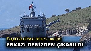 Foça'da düşen askeri uçağın enkazı denizden çıkarıldı