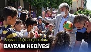 Başkan İduğ'dan çocuklara bayram hediyesi