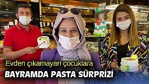 İzmir'de evden çıkamayan çocuklara bayramda pasta sürprizi