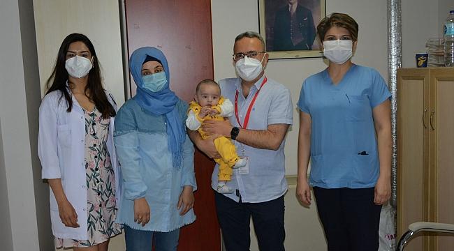 Kalp ritim bozukluğu olan 4 aylık bebek Tepecik Hastanesi'nde sağlığına kavuştu