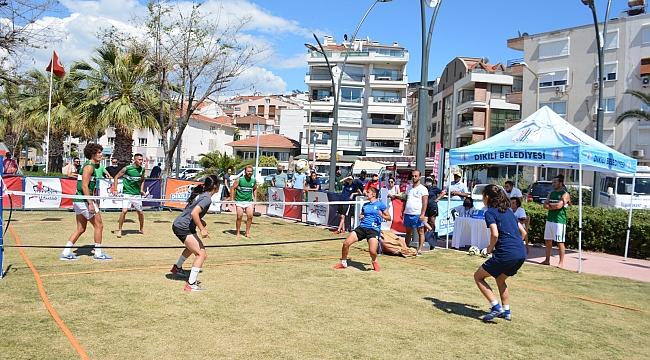 Dikili, Ayak Tenisi Turnuvası'na ev sahipliği yaptı