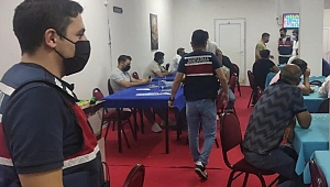 İzmir'de 111 kişiye kumar oynarken suçüstü!