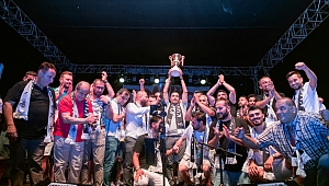 Kuşadası Gençlik Spor'a şampiyonluk kutlaması