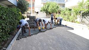 Menderes Belediyesi'nden Gazipaşa'nın yollarına parke taşı