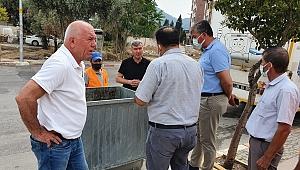 Kemalpaşa'da çöp konteynerleri dezenfekte ediliyor