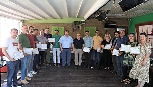 Kınık'ta İlçe Tarım ve Orman Müdürlüğü çalışanlarına başarı belgesi