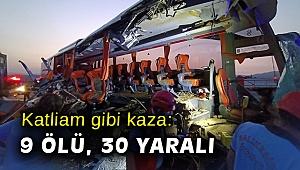 Manisa'da otobüs tıra çarptı: 9 ölü, 30 yaralı