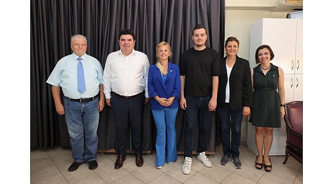 Başkan Kılıç'tan İzmir Gazeteciler Cemiyeti'ne ziyaret