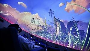 Başkan Tugay, çocuklara verdiği  sözü tuttu, planetaryum hizmete açıldı