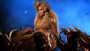 Ünlü şarkıcının cinsel ilişki itirafı olay oldu