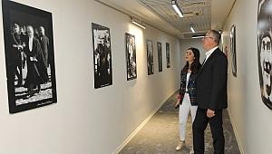 Atatürk'ün fotoğrafları Gaziemir'de