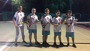 Bostanlıspor'un genç tenisçileri iddialı