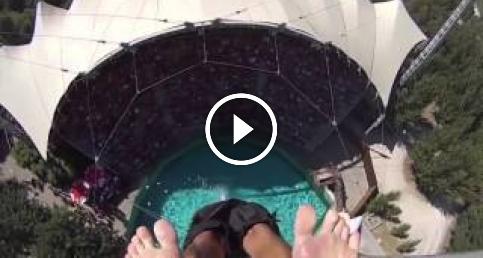 1000 metre yükseklikten suya atladı!