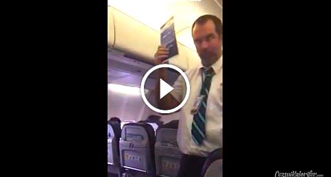 Uçaktaki güvenlik talimatlarını yolcuları eğlendirerek anlatan hostes